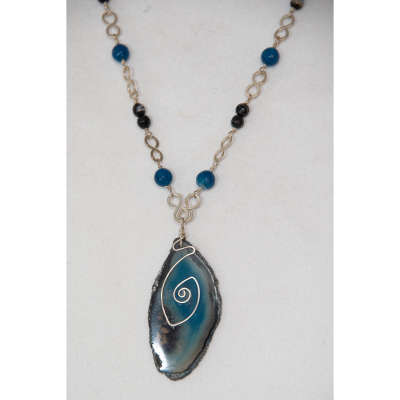 Necklace - agate slice pendant